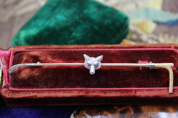 "A very fine 15ct & 9ct Gold ""Fox"" Stock Pin, English,  Circa 1910 - image 2"