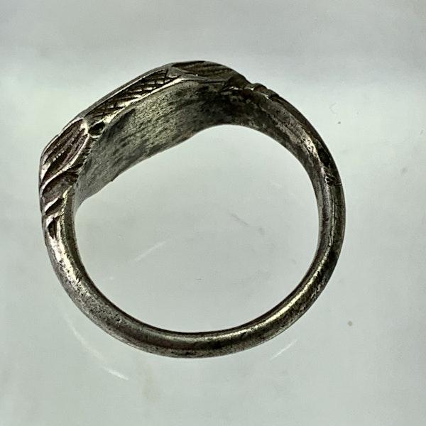 Sixteenth century silver ring - image 2