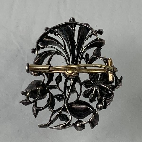 Seventeenth century diamond brooch - image 2