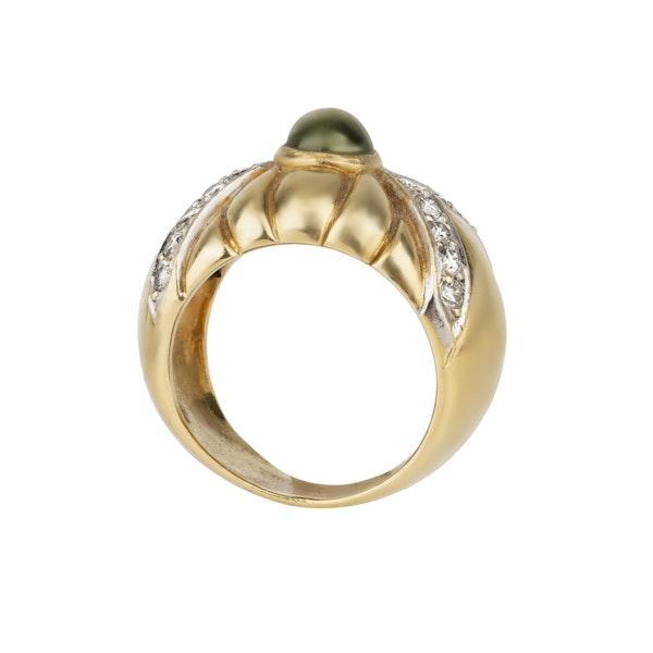 Gold and yellow chrysoberyl cabochon bombe shaped ring - image 2