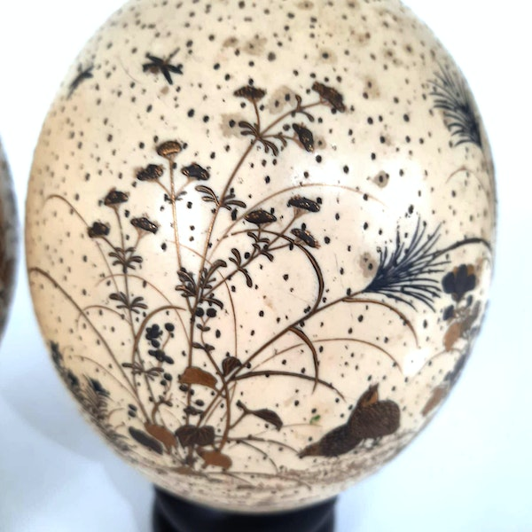 Pair Japanese ostrich eggs with lacquer decoration of Bijin - image 5