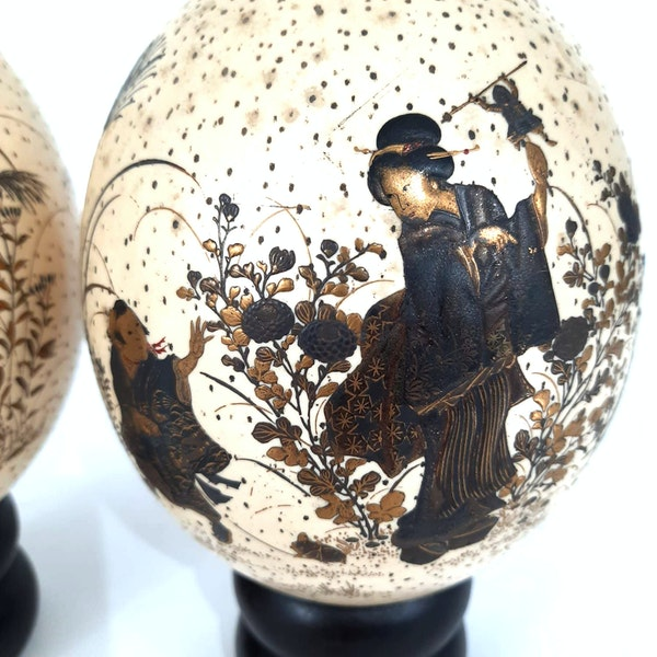 Pair Japanese ostrich eggs with lacquer decoration of Bijin - image 7
