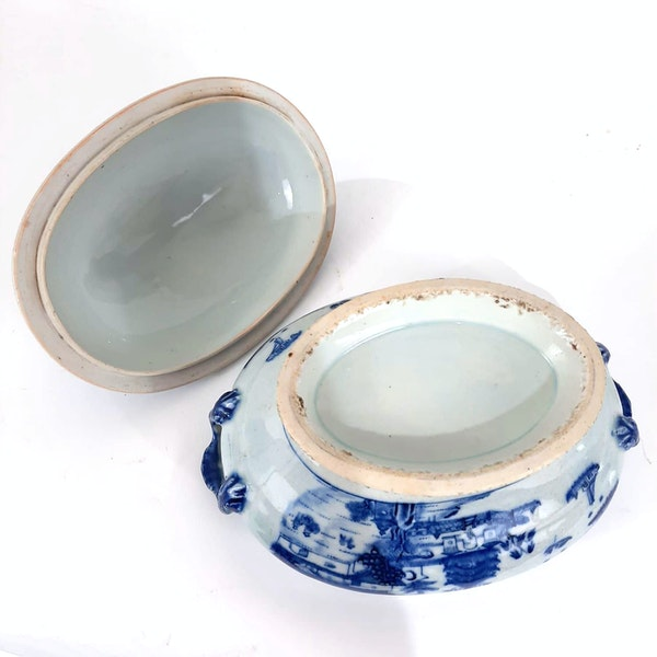 Chinese blue and white tureen - image 4