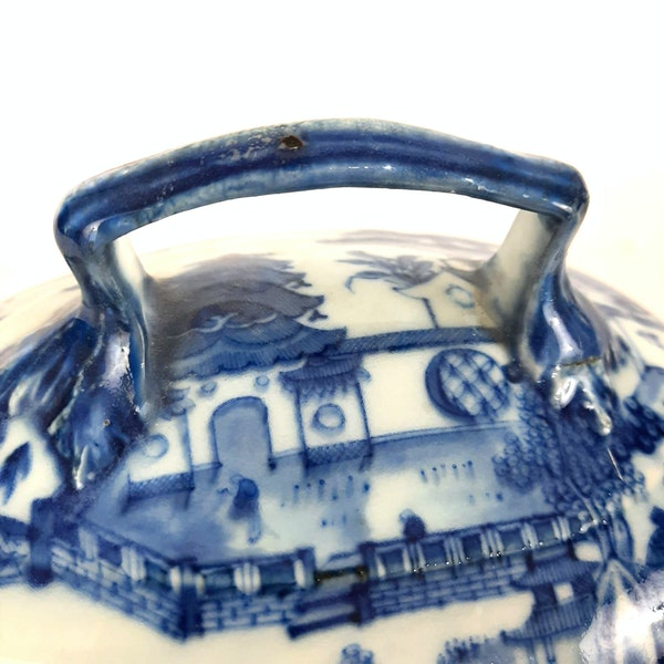 Chinese blue and white tureen - image 5