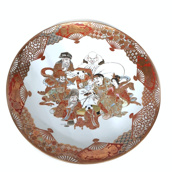Pair Japanese Kutani plate with seven lucky gods decoration - image 2