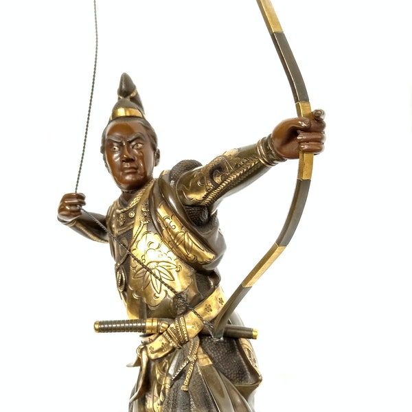 Japanese bronze and gilt sculpture of an archer - image 4