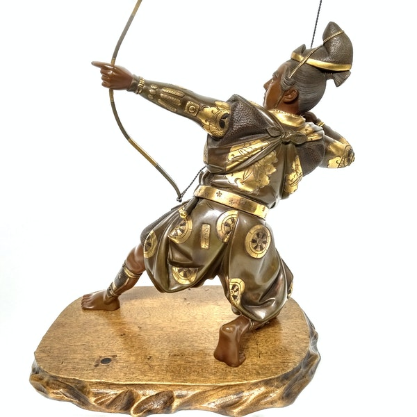 Japanese bronze and gilt sculpture of an archer - image 5