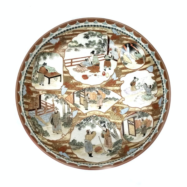 Set of three Japanese Kutani bowls decorated with Samurai - image 5