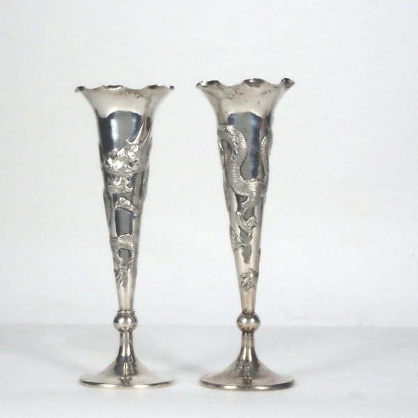 Pair Chinese silver fluted vases decorated with dragons - image 2