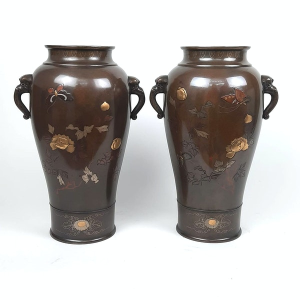 Pair Japanese bronze vases with sparrow decoration - image 5