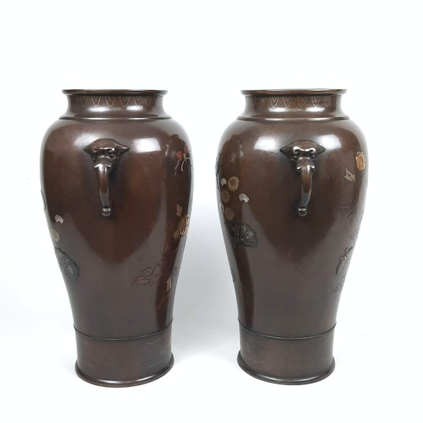 Pair Japanese bronze vases with kingfishers - image 4