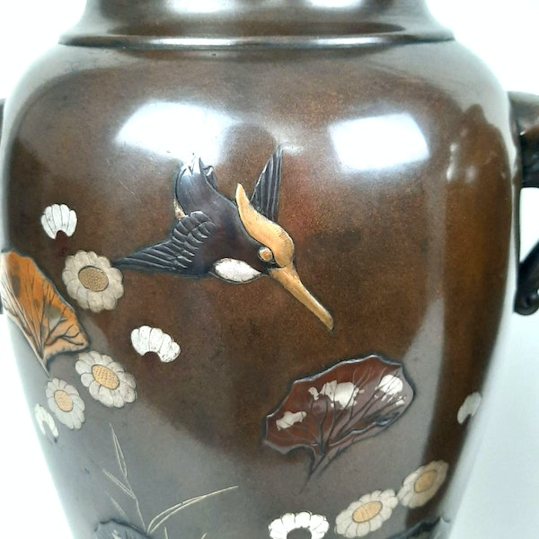 Pair Japanese bronze vases with kingfishers - image 5