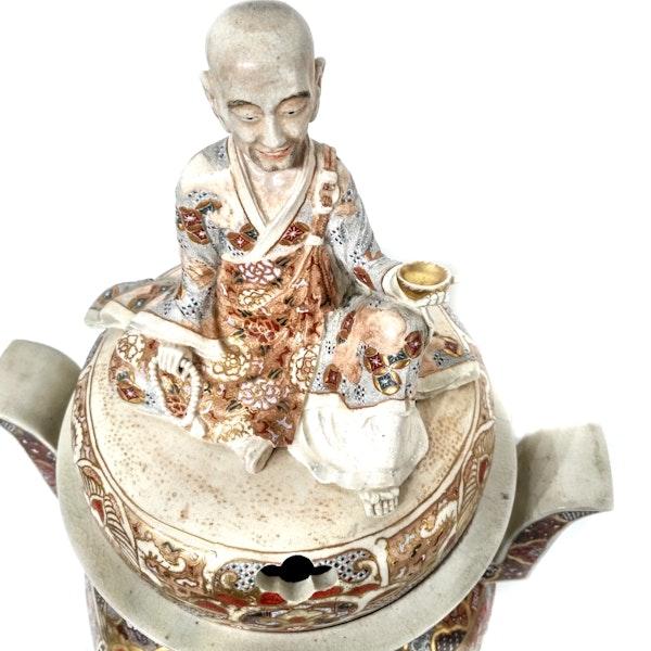 Large Japanese satsuma koro with a monk on the lid - image 5