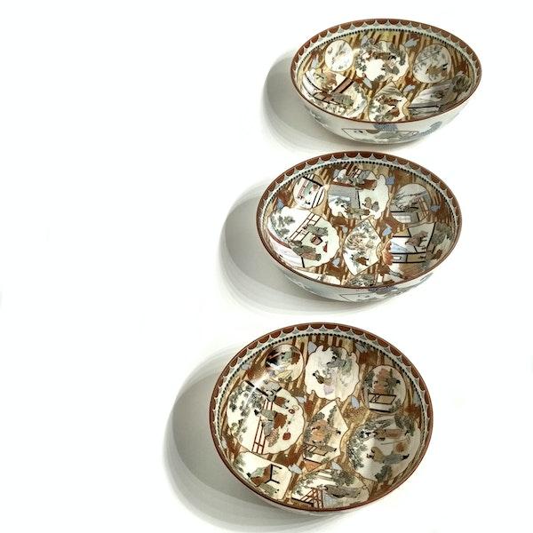Set of three Japanese Kutani bowls decorated with Samurai - image 10