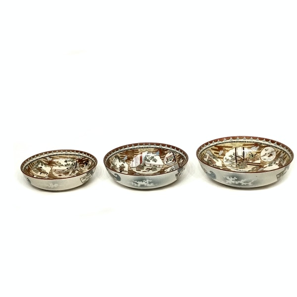 Set of three Japanese Kutani bowls decorated with Samurai - image 11