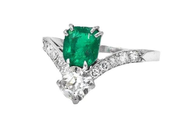 Emerald and diamond Art Deco ring - image 2