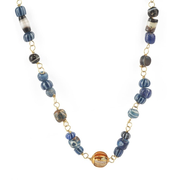 Roman glass and gold necklace - image 2