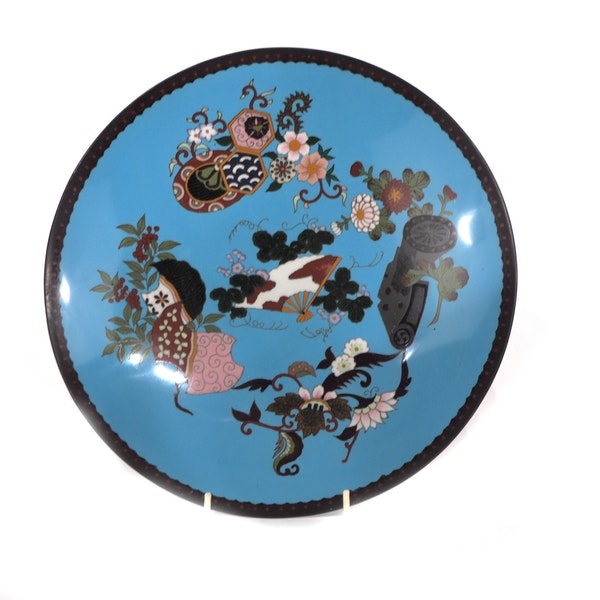 Pair Japanese cloisonne plates with decoration of flowers and fans - image 2