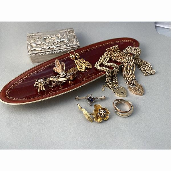 Date: circa 1890, 15ct Gold & Silver, Sapphire, Diamond stone set Brooch, SHAPIRO & Co since1979 - image 5