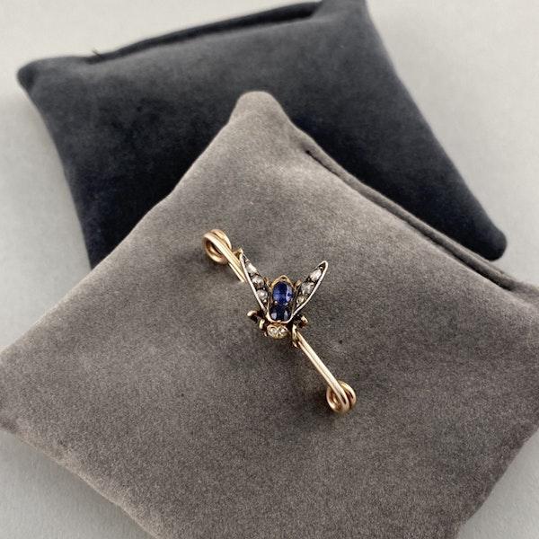 Date: circa 1890, 15ct Gold & Silver, Sapphire, Diamond stone set Brooch, SHAPIRO & Co since1979 - image 6