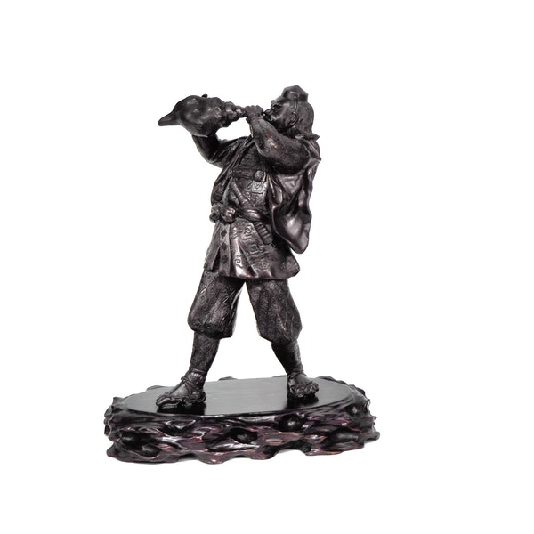 Japanese bronze statue of a Samurai blowing a conch shell - image 8