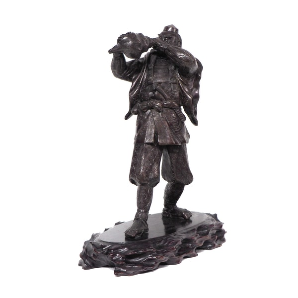 Japanese bronze statue of a Samurai blowing a conch shell - image 4