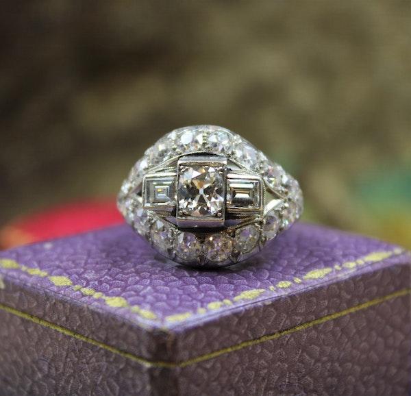 A very fine Art Deco Diamond Demi-Bombé Ring mounted in Platinum, French, Circa 1930 - image 1