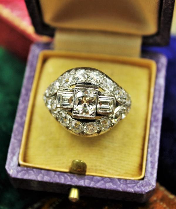 A very fine Art Deco Diamond Demi-Bombé Ring mounted in Platinum, French, Circa 1930 - image 2