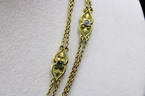 A very fine Art Nouveau double strung Long-Guard Chain set with Diamonds, Rubies, Emerald and Seed Pearls mounted in 18ct Yellow Gold, French, Circa 1900 - image 3