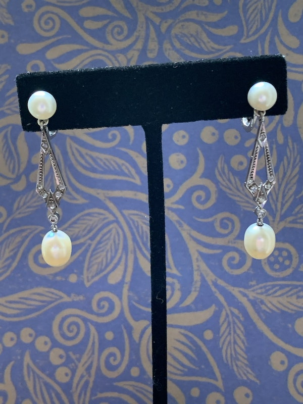 Natural Pearl earrings All pearls carry a certificate and are mounted in platinum - image 2