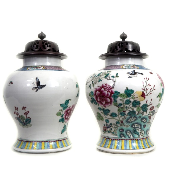 Pair Chinese jars with wood covers - image 2