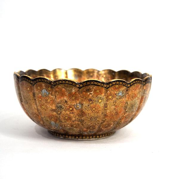 Japanese satsuma bowl with flower decoration - image 2