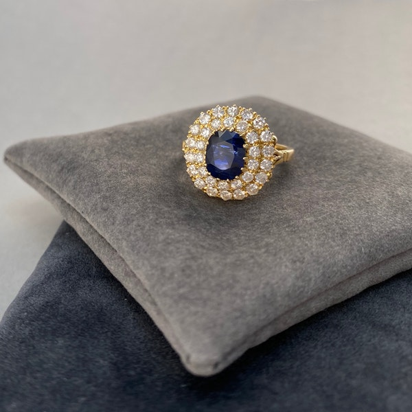 Sapphire Diamond Ring in 18ct Gold date circa1960 SHAPIRO & Co since1979 - image 4