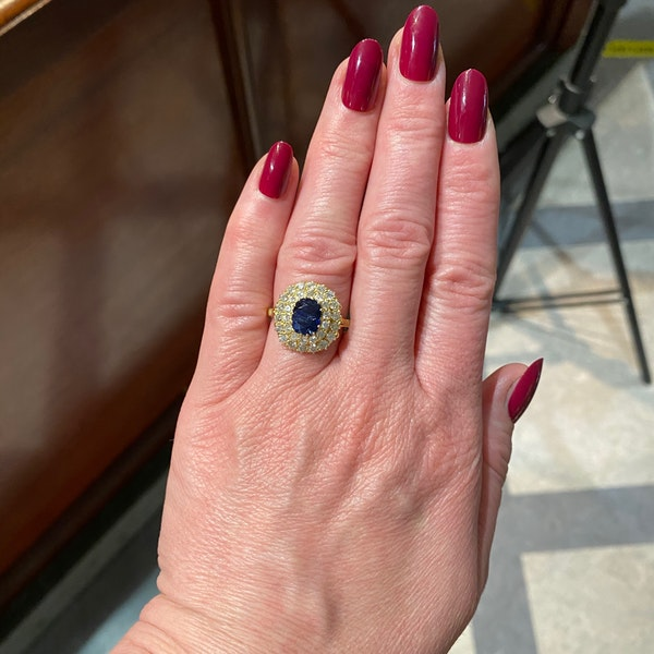 Sapphire Diamond Ring in 18ct Gold date circa1960 SHAPIRO & Co since1979 - image 5