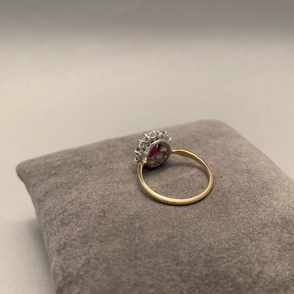 Burma Ruby Diamond Ring in 18ct Gold date circa1950 SHAPIRO & Co since1979 - image 5
