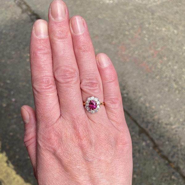 Burma Ruby Diamond Ring in 18ct Gold date circa1950 SHAPIRO & Co since1979 - image 2