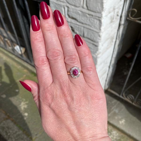 Burma Ruby Diamond Ring in 18ct Gold date circa1950 SHAPIRO & Co since1979 - image 1