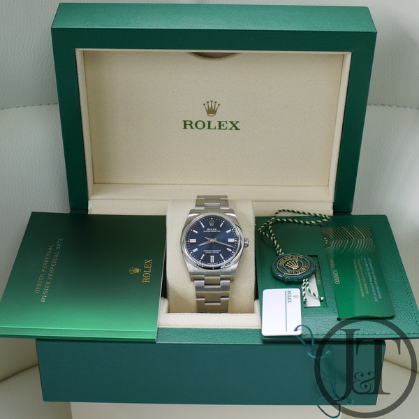 Rolex Oyster Perpetual 36 126000 Oystersteel Blue Dial - image 10