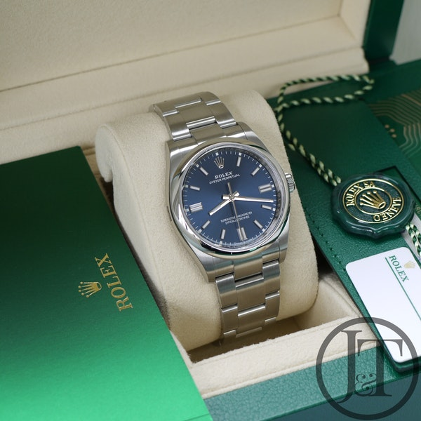 Rolex Oyster Perpetual 36 126000 Oystersteel Blue Dial - image 5
