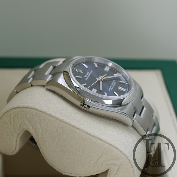 Rolex Oyster Perpetual 36 126000 Oystersteel Blue Dial - image 4
