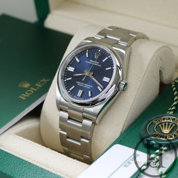Rolex Oyster Perpetual 36 126000 Oystersteel Blue Dial - image 7