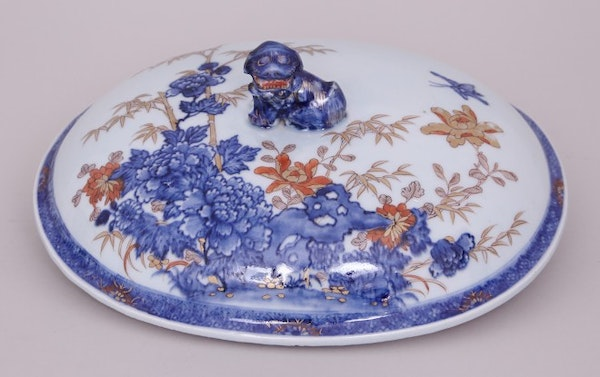 A CHINESE IMARI OVAL TUREEN, FIRST HALF OF THE 18TH CENTURY - image 2