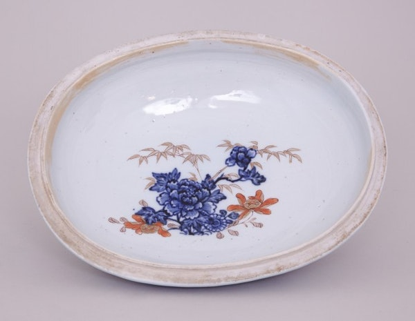 A CHINESE IMARI OVAL TUREEN, FIRST HALF OF THE 18TH CENTURY - image 4