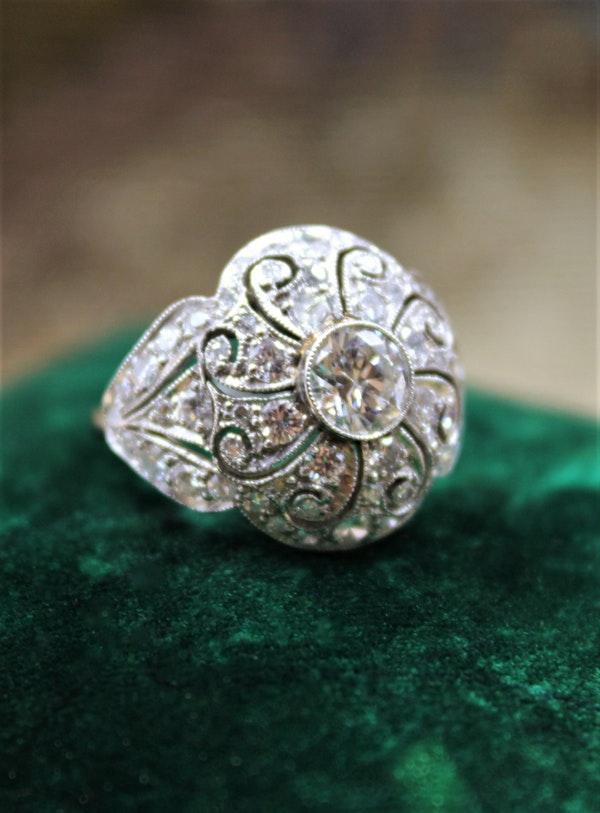 A very beautiful & stylish Art Deco Diamond Demi-Bombé Ring, mounted in Platinum, Circa 1935 - image 1