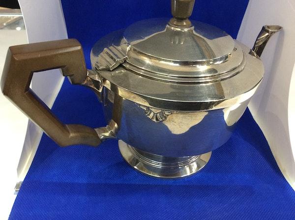 A silver Art Deco teapot - image 3