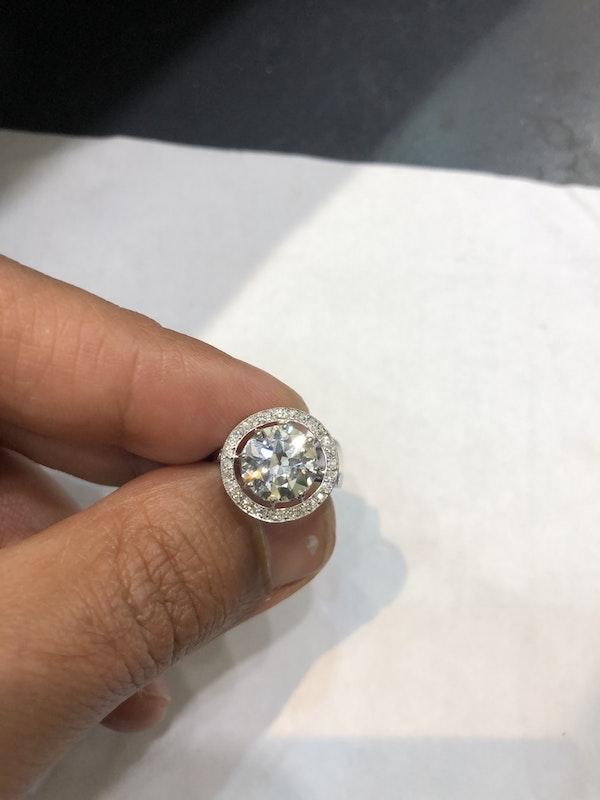 2.57 ct French Art Deco Diamond platinum ring - image 2