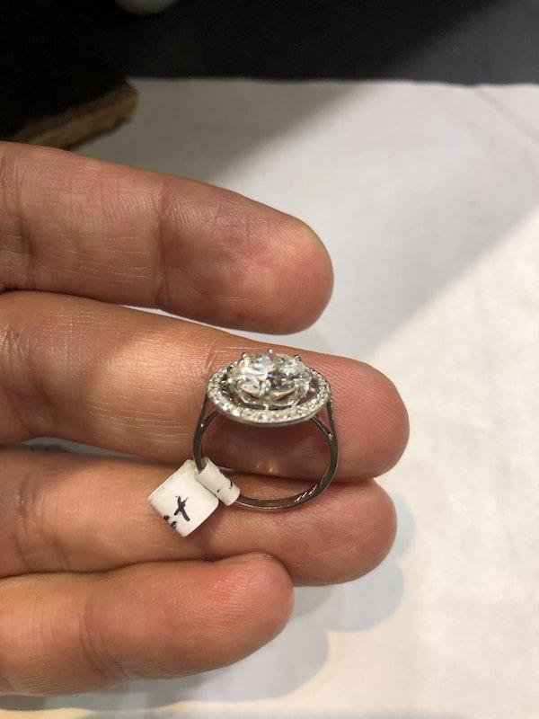 2.57 ct French Art Deco Diamond platinum ring - image 4