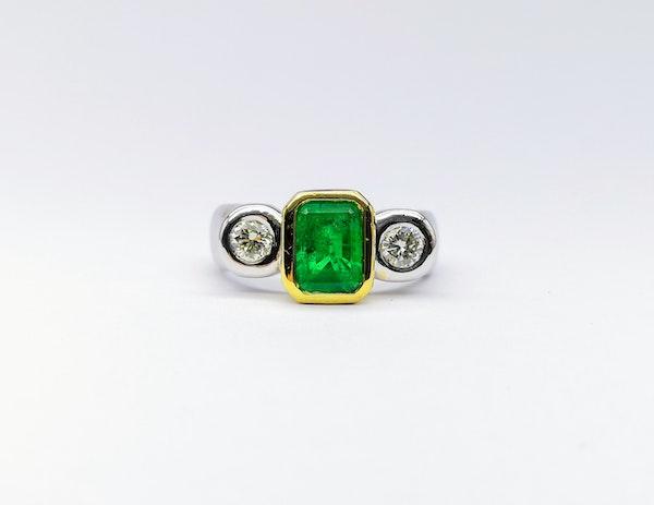 18ct Yellow & White Gold Rub Around 3 Stone Emerald & Diamond Ring - image 2