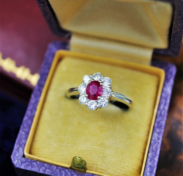 A very fine Vintage Ruby & Diamond Cluster Ring, Circa 1990 - image 2