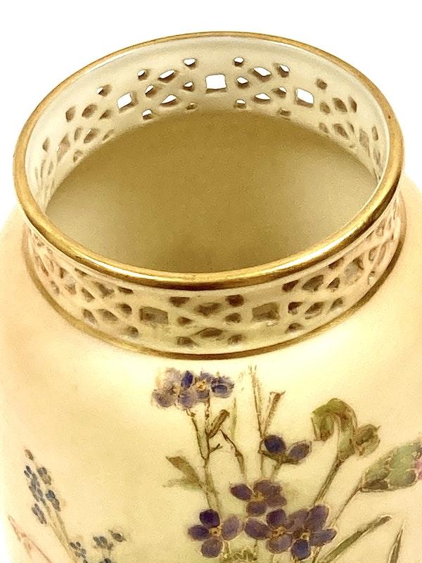 Pair of Royal Worcester vases - image 6